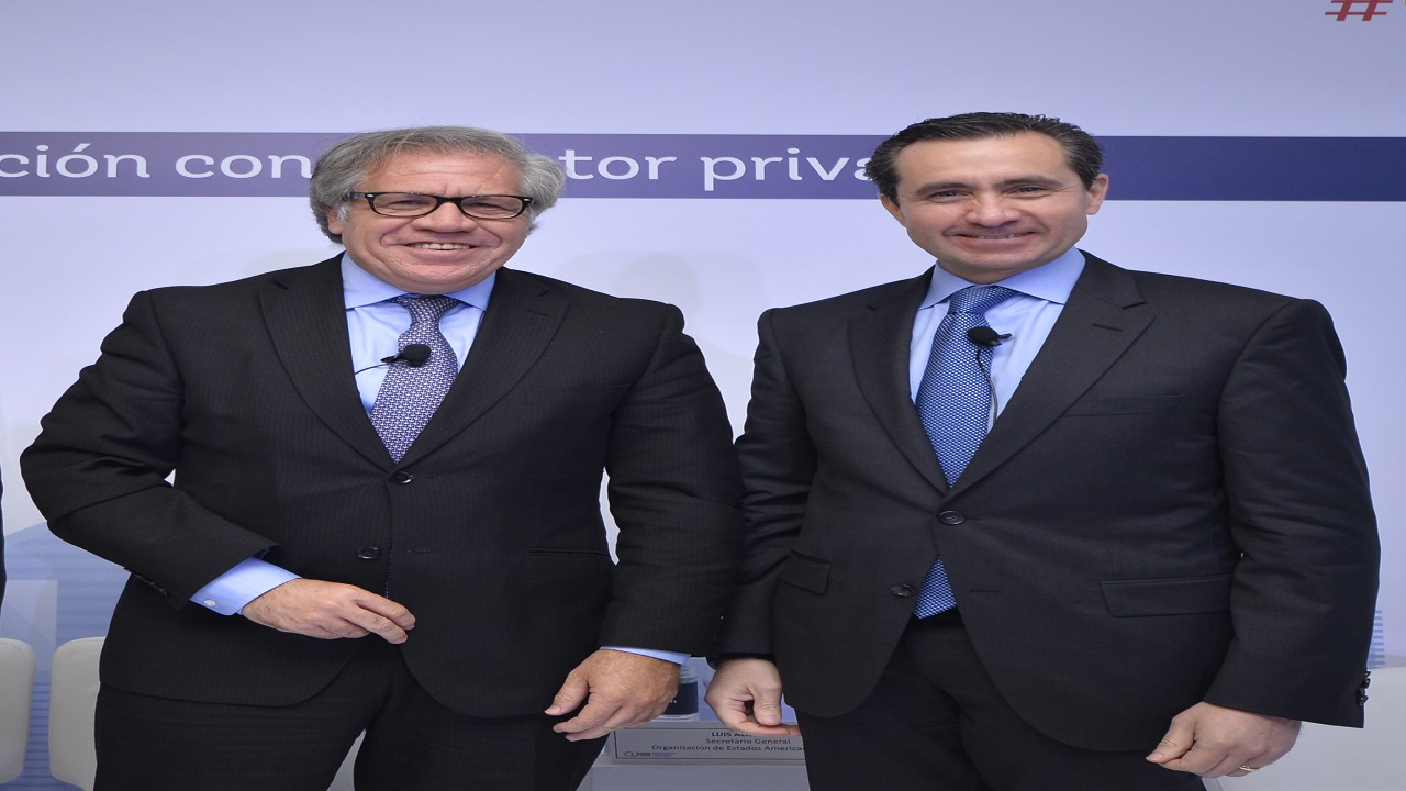 Luis Almagro (left) and Jorge Familiar of the World Bank