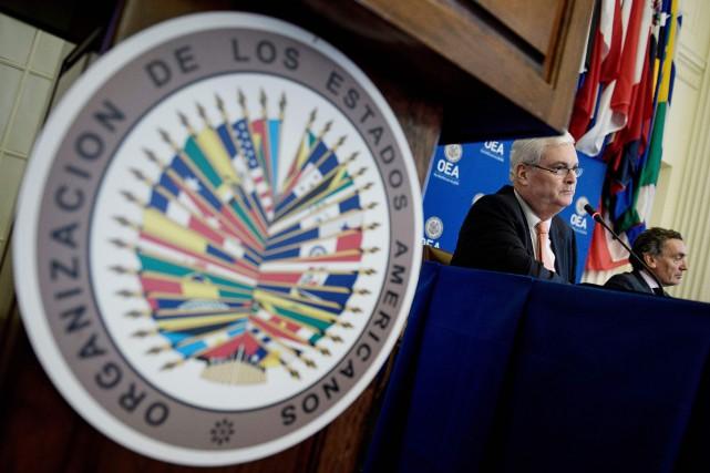 M. Caballo a fait observer que la résolution, adoptée par 19 voix pour, 4 contre et 11 abstentions, n'a pas obtenu les 24 voix qui seraient de toute façon nécessaires pour obtenir la convocation d'une assemblée générale extraordinaire en vue de l'exclusion du Venezuela. (Crédit photo : BRENDAN SMIALOWSKI / AFP)