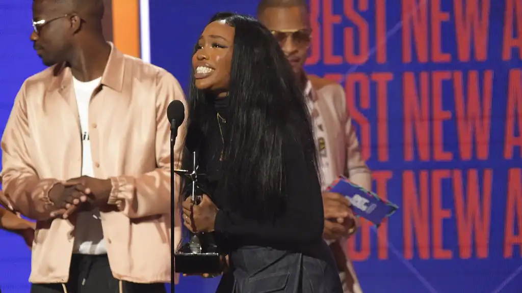 SZA accepts the award for best new artist at the BET Awards at the Microsoft Theater on Sunday, June 24, 2018, in Los Angeles. (Photo by Richard Shotwell/Invision/AP)