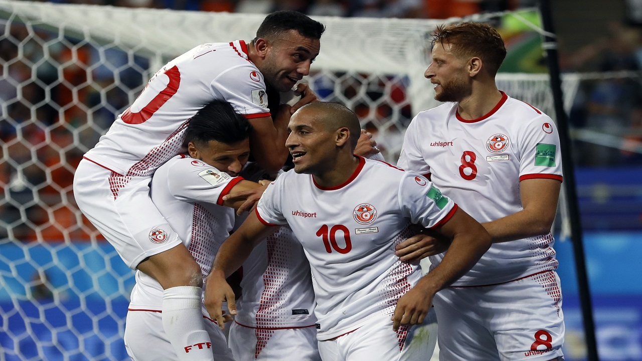 Tunisia's Wahbi Khazri (10) celebrates with his teammates after scoring his side's second goal during the group G match against Panama at the 2018 football World Cup at the Mordovia Arena in Saransk, Russia, Thursday, June 28, 2018. (AP Photo/Darko Bandic).