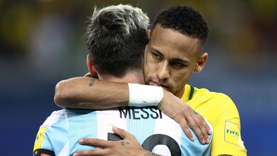 Lionel Messi (left) and Neymar in 2016.