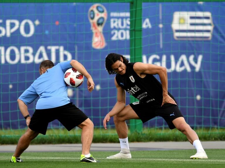 L'attaquant star de l'Uruguay Edinson Cavani lors d'une séance d'entraînement au centre des sports Borsky à Nijni Novgorod, le 5 juillet 2018