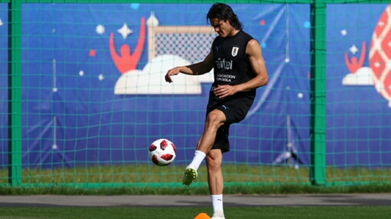 Edinson Cavani returned to Uruguay training on Thursday.