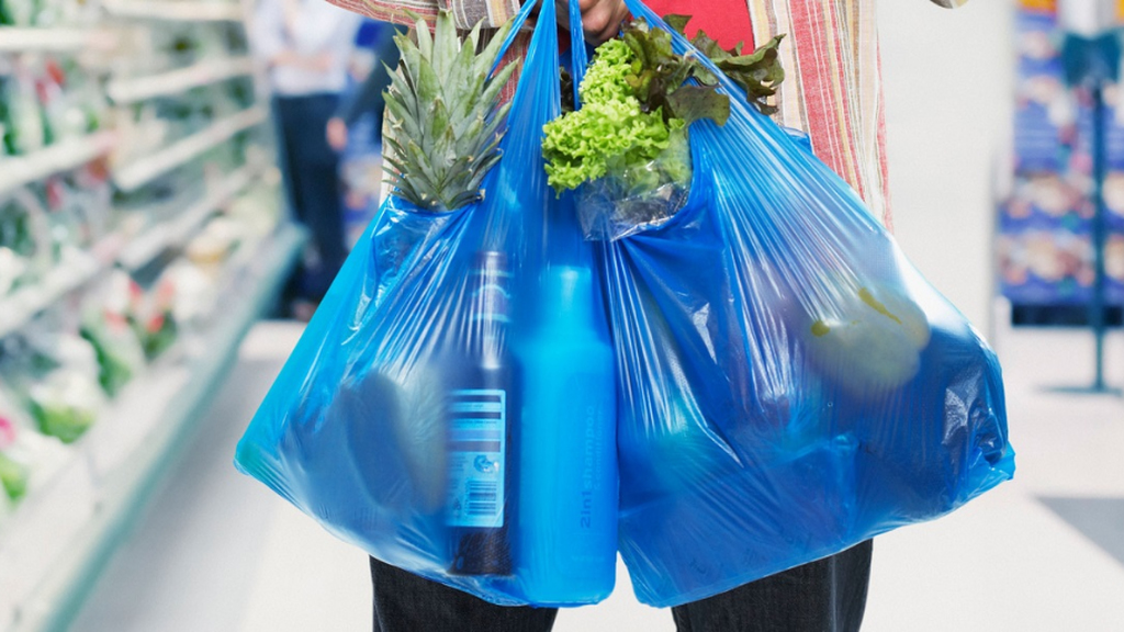 'Bag rage' as Australia supermarkets impose plastic ban