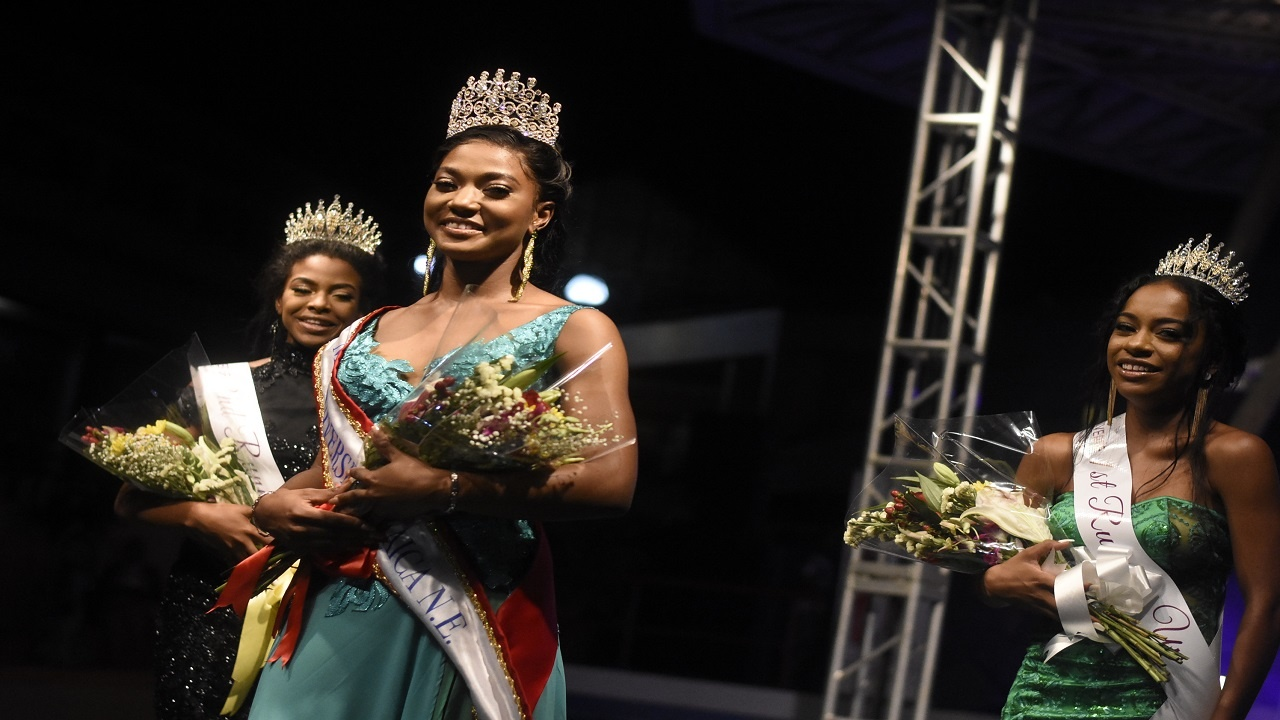 Newly crowned Miss Jamaica Universe North East, Ashley Thomas, with Italee Vinard and Britnay McKenzie, who finished second and third respectively in the pageant at Island Village. (PHOTOS: Marlon Reid)