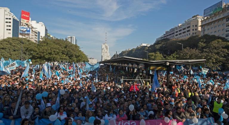 Manifestation à l'appel des églises évangéliques contre le projet de légalisation de l'avortement, le 4 août 2018 à Buenos Aires, en Argentine