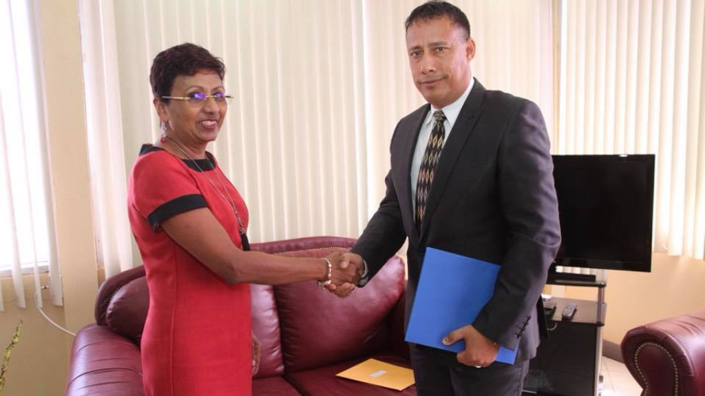 Pictured: PSC Chairman Bliss Rampersad shakes the hand of Gary Griffith, who was today officially appointed Commissioner of Police. Photo via the Police Service Commission.