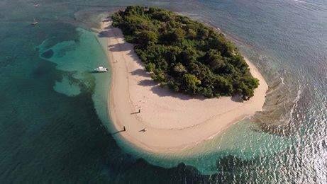 Une forêt vierge entourée d'une plage de sable blanc, de l'eau cristalline, puis des coraux. Idéal pour une séance de photo shoot. Lieu à ne pas rater./Photo: Pinterest