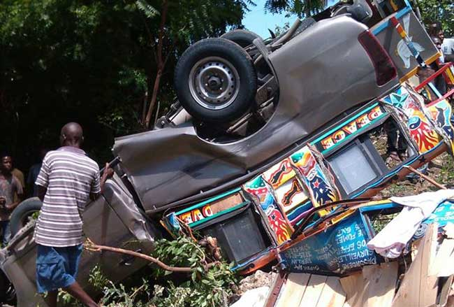 Les accidents de la circulation sont causes par un mauvais comportement des automobolistes sur les voies routieres, revele Garnel Michel de Stop Accident./Loop Haiti