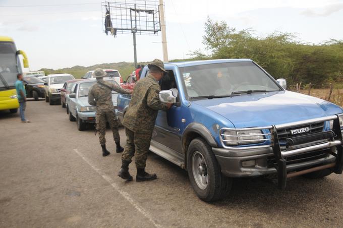 Les Dominicains doublent le contrôle face à l'immigration des Haïtiens. Photo: Listin Diario