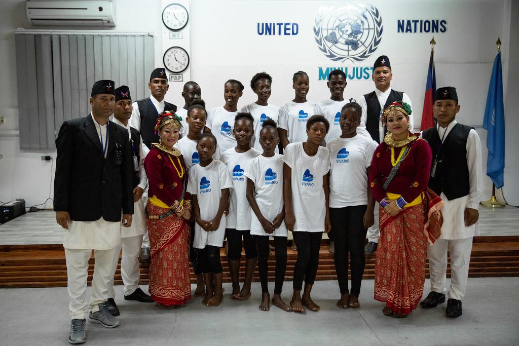 Photo : Illustration des représentants de la MINUJUST et de l'ONG Vivario-Haiti - Crédit : Flickr