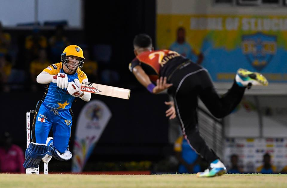David Warner's 72 not out was not enough to prevent the St Lucia Stars winless streak going to 15 games.