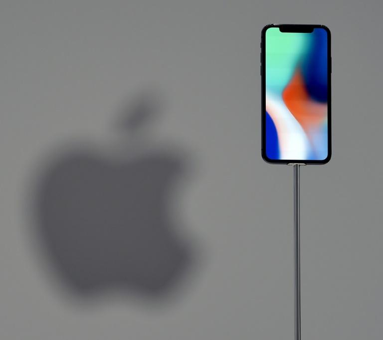 Apple est devenue jeudi la première entreprise privée à valoir plus de 1.000 milliards de dollars en Bourse