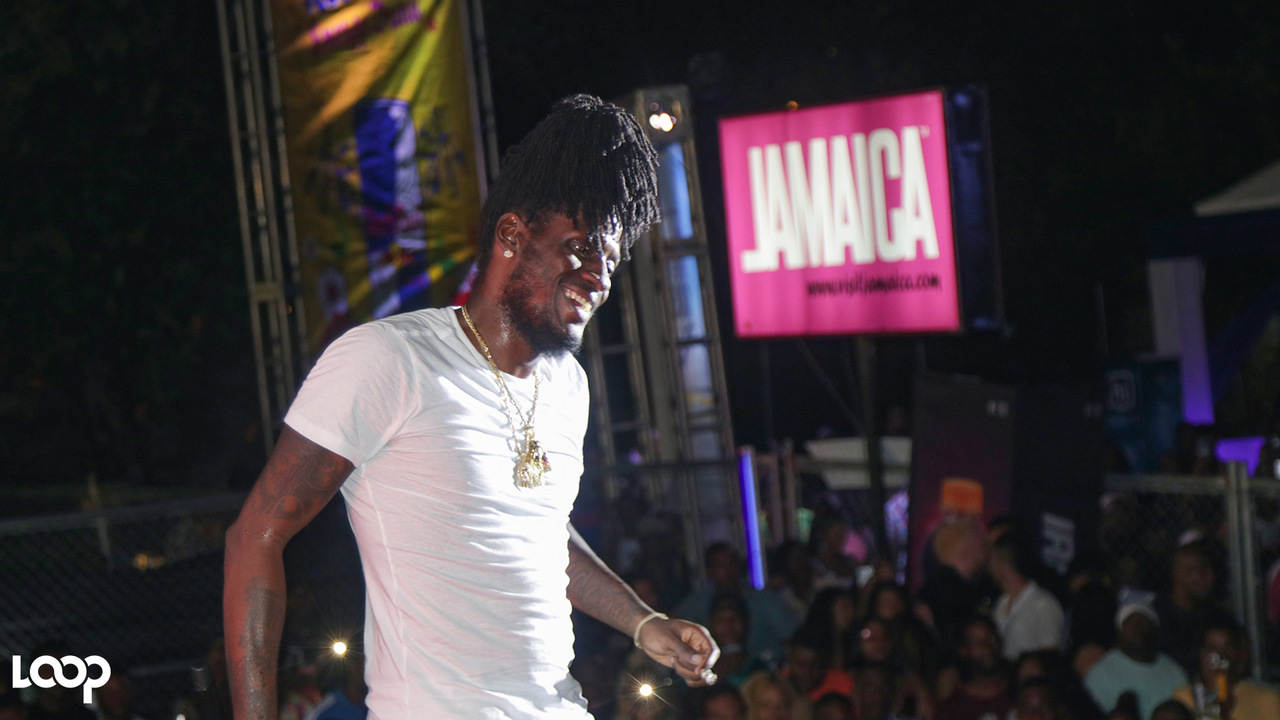 Aidonia on stage at Dream Live on Thursday. (PHOTOS: Shawn Barnes)