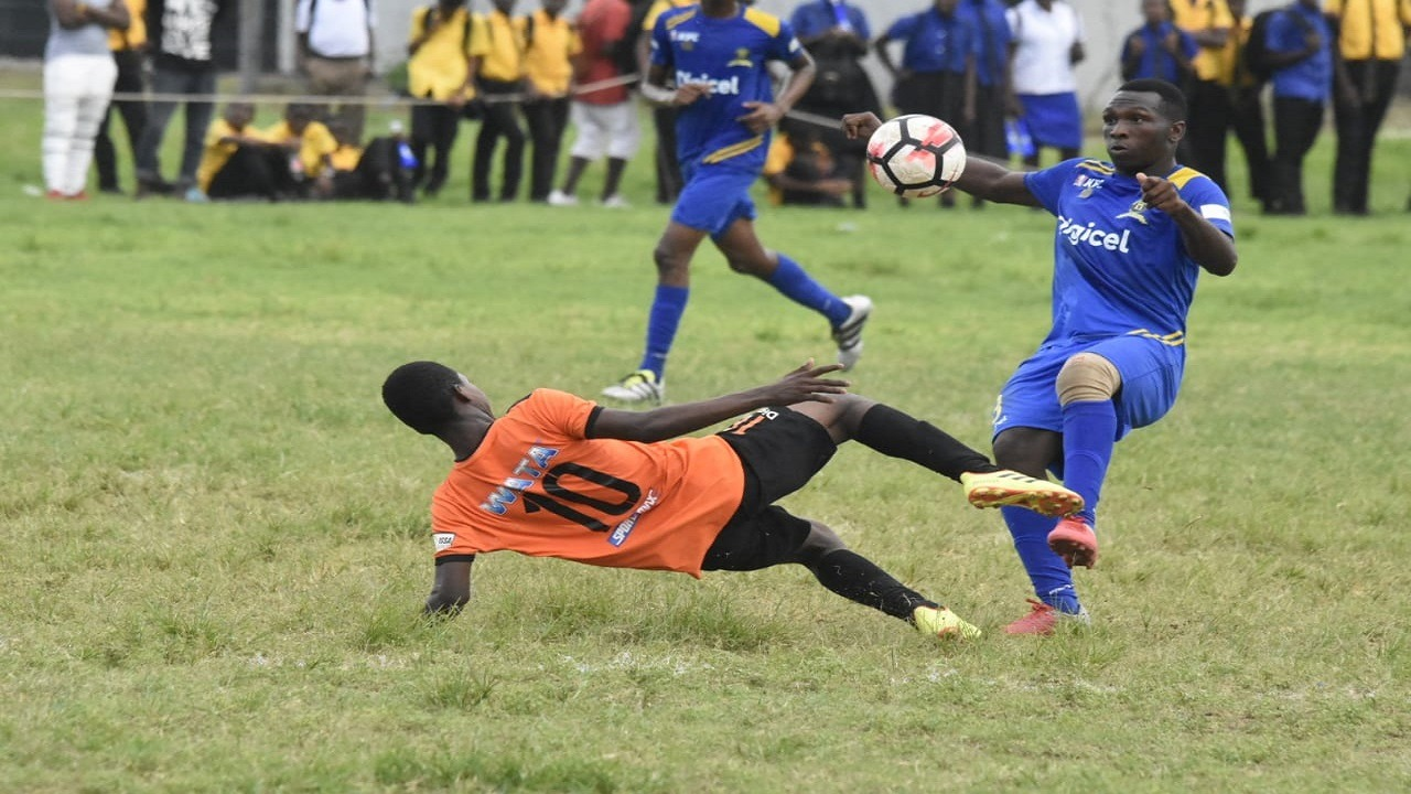 Picture shows action from Denham Town High, Tivoli Gardens High ISSA/Digicel Manning Cup fixture on Monday, September 24, 2018 at Tivoli Gardens. (PHOTO: Marlon Reid).