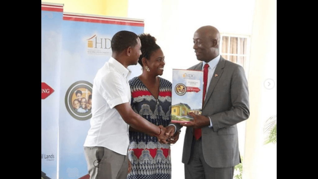 Prime Minister Dr. Keith Rowley and Housing and Urban Development Minister, Edmund Dillon distributed  82 single family units at the HDC's Trestrail Lands Housing Development on September 26, 2018. Photo: Housing Development Corporation (HDC).