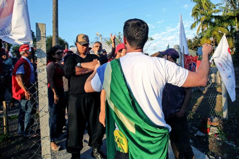 Des soutiens de l'ancien président Luiz Inacio Lula da Silva manifestent à Curitiba (sud), le 31 août 2018