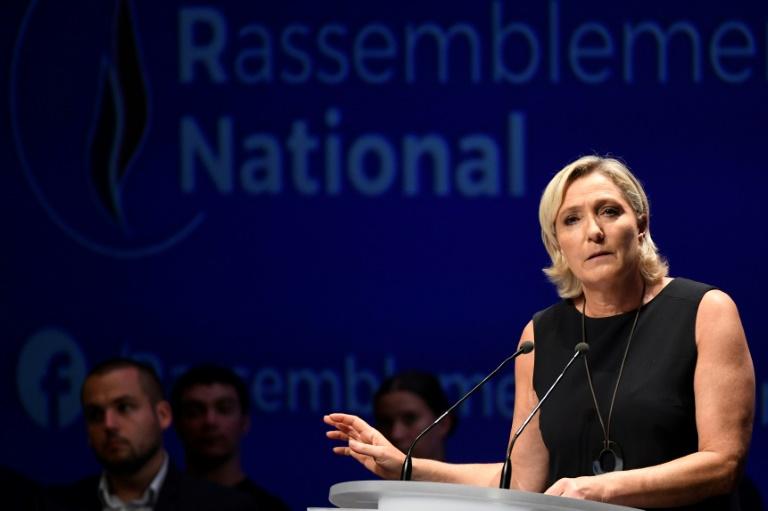 La présidente du Rassemblement national Marine Le Pen lors d'un meeting à Fréjus, dans le sud de la France, le 16 septembre 2018