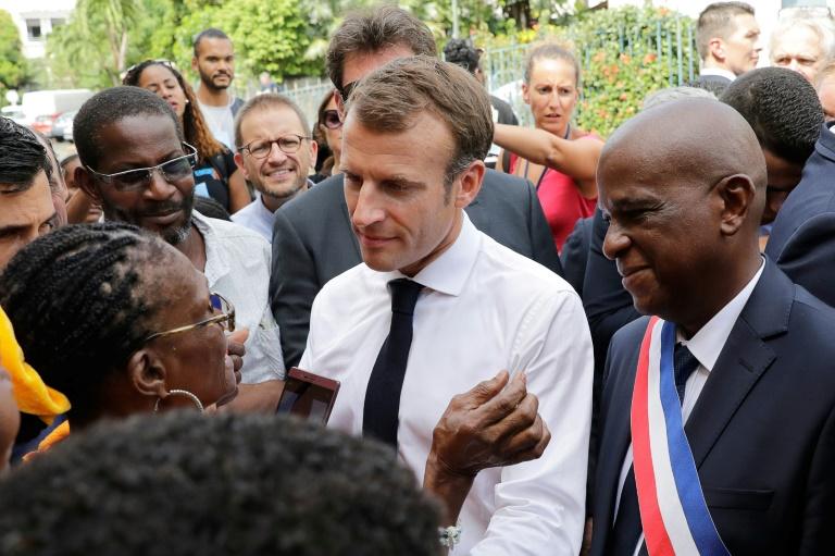 Après la Martinique, Macron arrive en Guadeloupe pour évoquer les sargasses - Autres