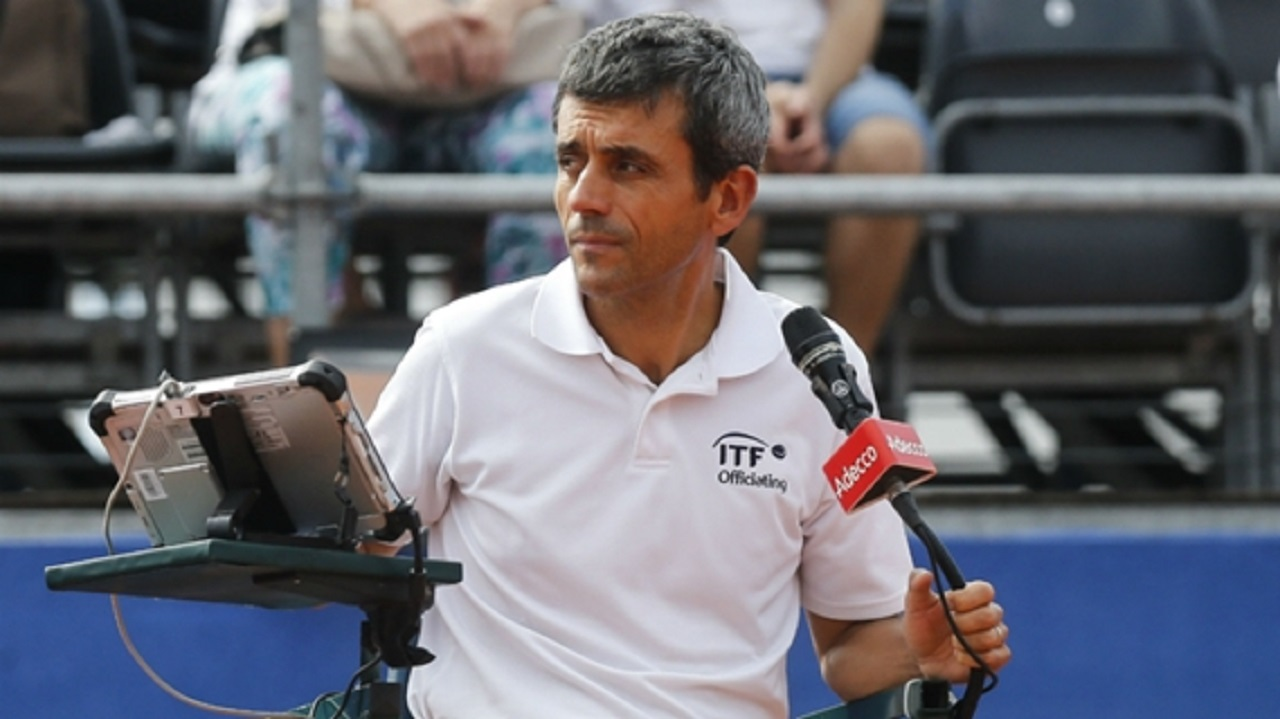 Umpire Carlos Ramos at the Davis Cup.