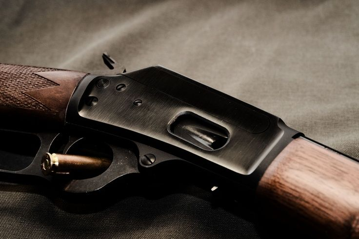 2 frères  aux USA impliqué d'avoir expédier des armes à feu en Haiti. Photo: Pinterest