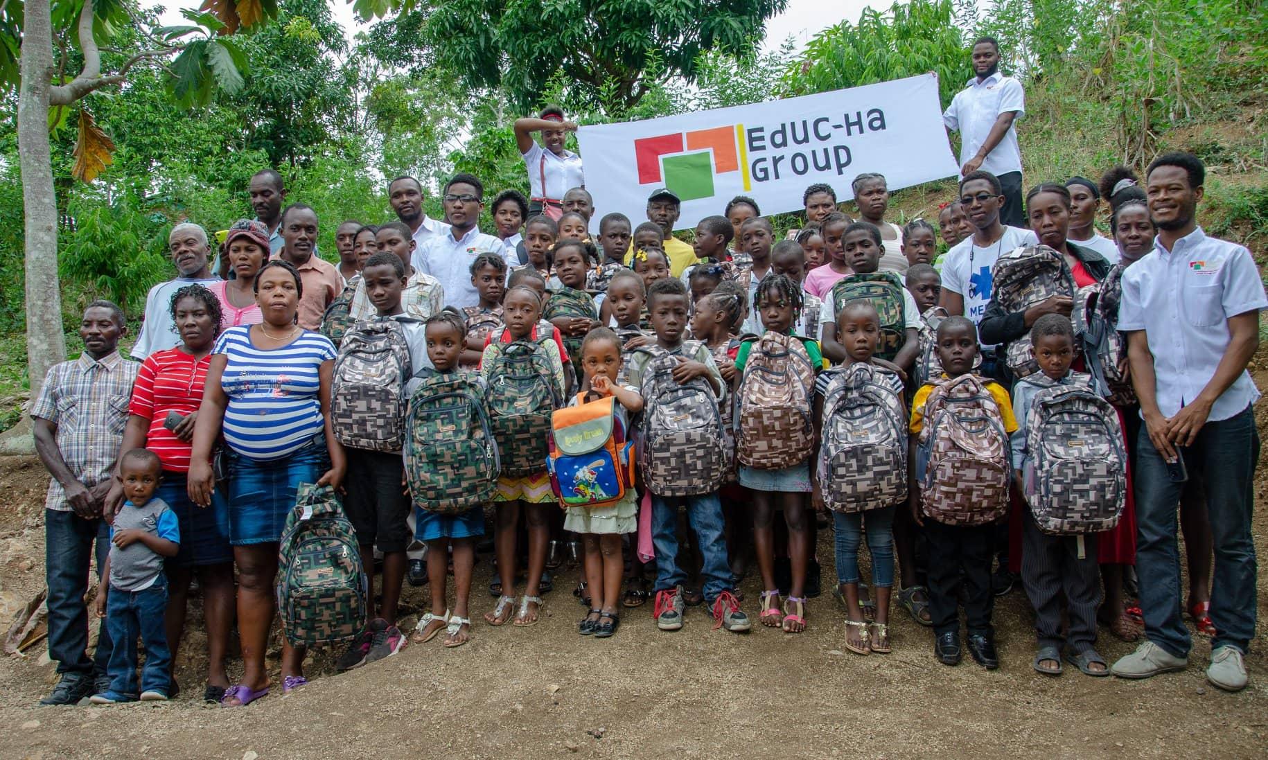 54 élèves au total ont bénéficié des fournitures scolaires achetés grâce à la contribution financière d'une belle palette de donateurs résidant en Haïti, aux USA, au Canada et au Chili./Photo: Fournie par Educ-Ha Group