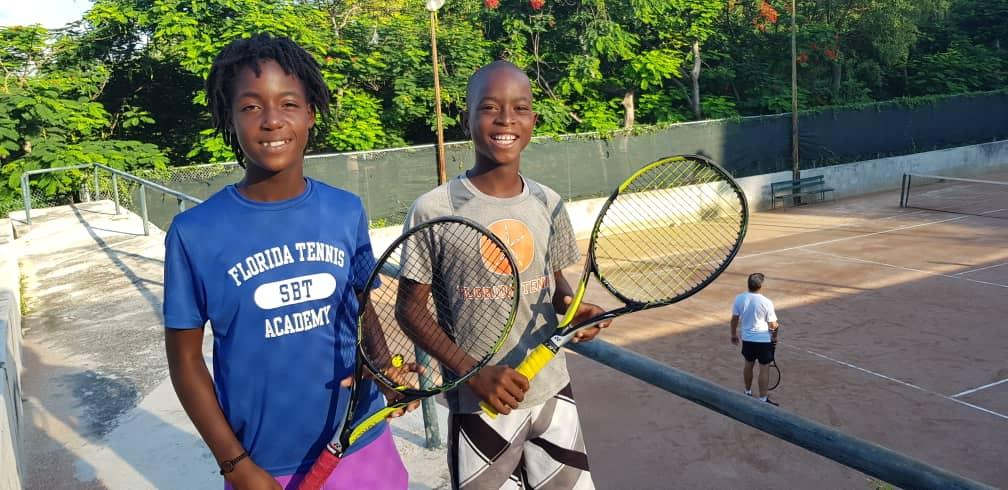 Fritzterson St Louis, 13 ans, et Richardlyne François, 12 ans. Vidéo: Luckenson Jean/ Loop Haiti