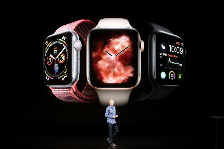 Phil Schiller, vice-président marketing d'Apple, présente de nouvelles versions très haut de gamme de l'iPhone au siège de Cupertino, en Californie, le 12 septembre 2018