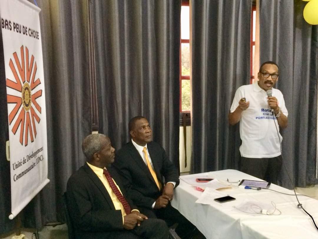 Les responsables de Rotary Club de Port-au-Prince, lors du lancement de leur première Unité de développement communautaire (UDC)