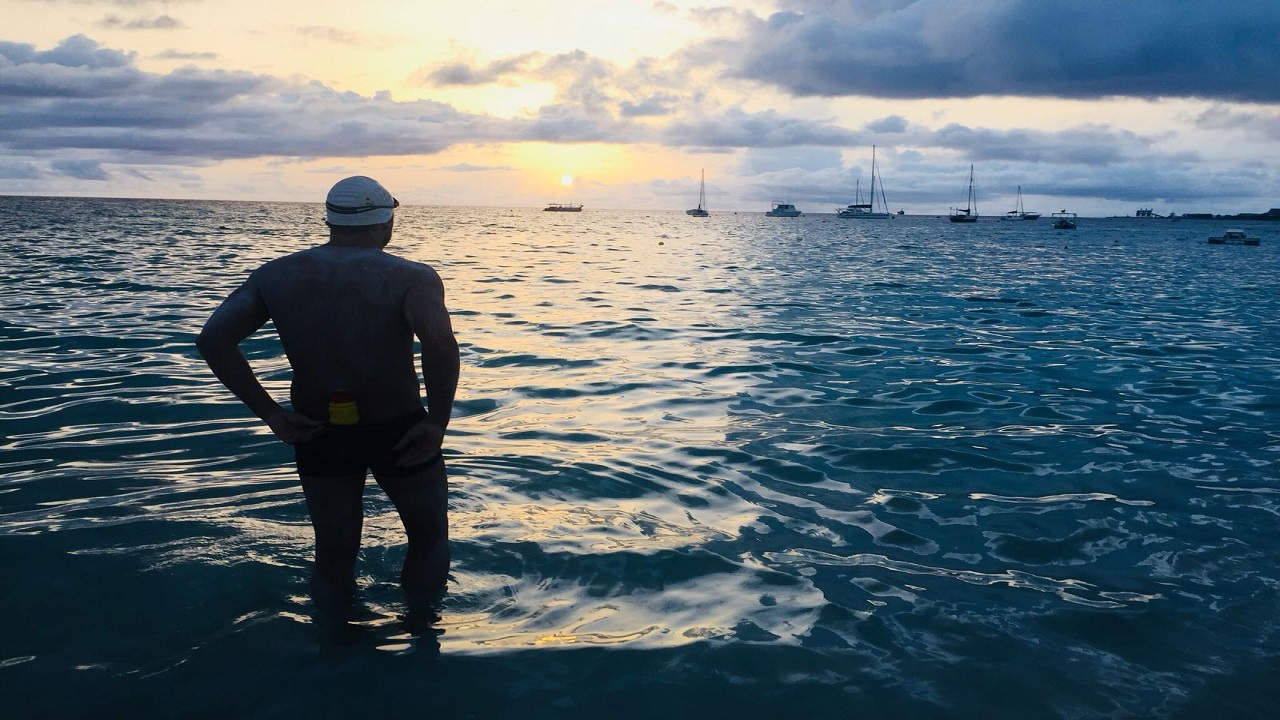 Cameron Bellamy is swimming around Barbados for charity (Image taken from ubunyechallenge.com)
