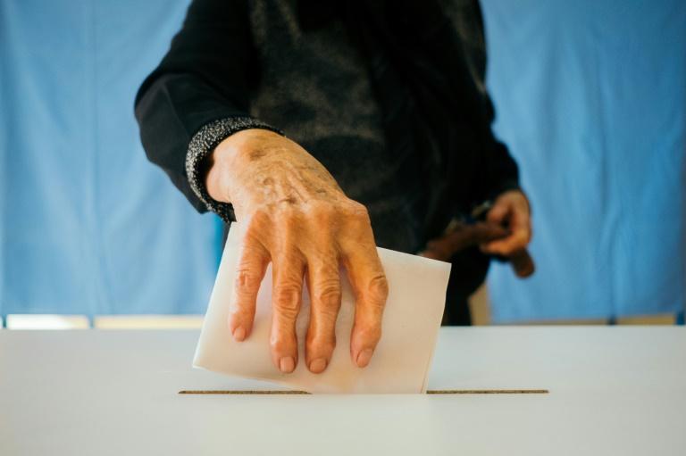 """Le """"oui"""" à l'interdiction du mariage gay a recueilli plus de 90% des suffrages lors d'un référendum en Roumanie"""