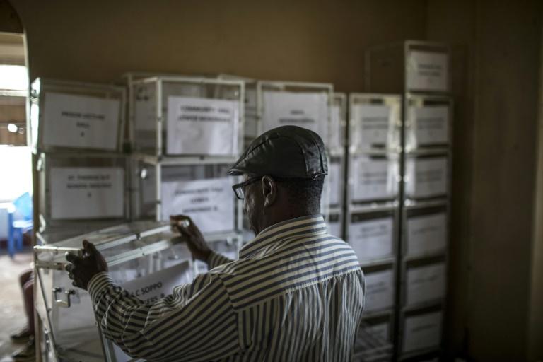 Présidentielle au cameroun: début du vote sous haute surveillance en