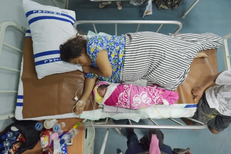 Un nouveau-né le 6 octobre 2018 sur un navire-hôpital dans le port de Palu, à Pantoloan, après le séisme doublé d'un tsunami qui a frappé la ville