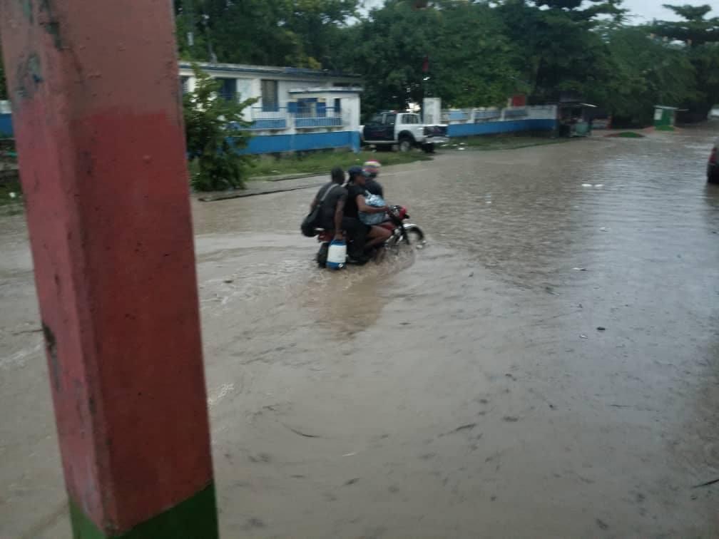 La ville de Marigot sous les eaux suite aux pluies diluviennes qui se sont abattues sur la commune dans la nuit du mercredi 10 octobre à jeudi 11 octobre