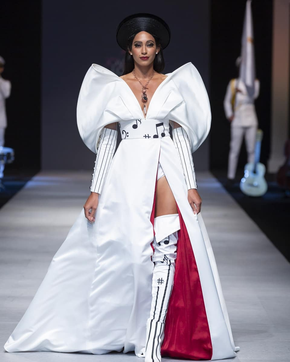 Raquel Pélissier au Vietnam International Fashion Week 2018/ Photo: Twitter/@RaquelPelissier