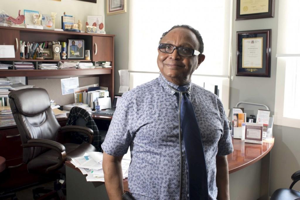 Ce médecin haïtien qui vit au Canada aide son pays depuis 26 ans. Photo: Le Nouvelliste.ca