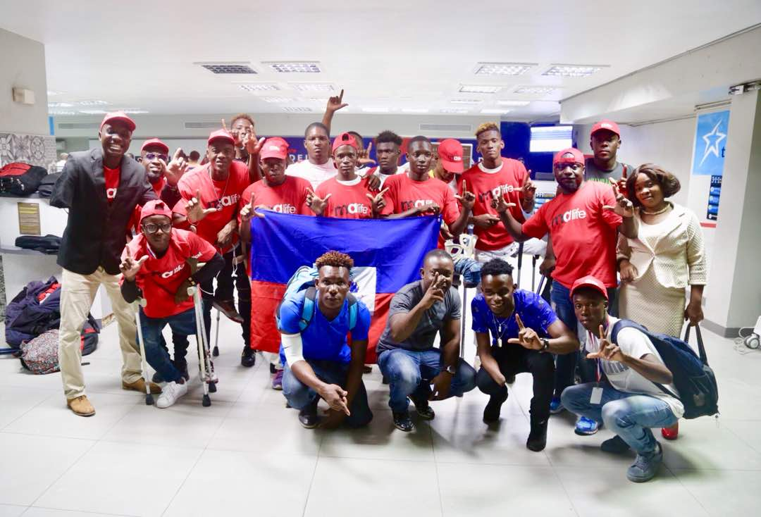 Les grenadiers a L'aéroport.