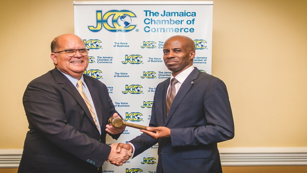 (L-R) Immediate Past President Larry Watson hands over the reign to new JCC President, Lloyd Distant Jr.