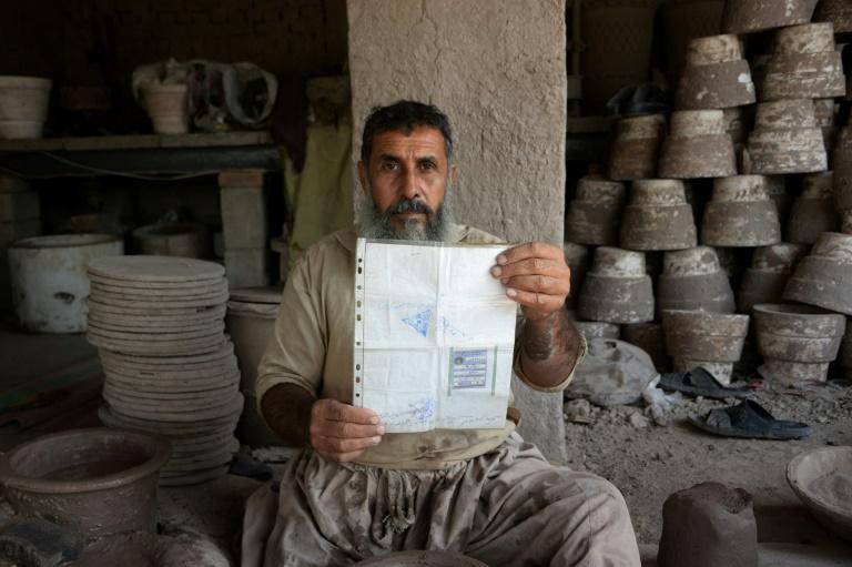 """Omaid Sharifi, fondateur du collectif de street art """"Artlords"""", le 8 octobre 2018 à Kaboul, en Afghanistan"""