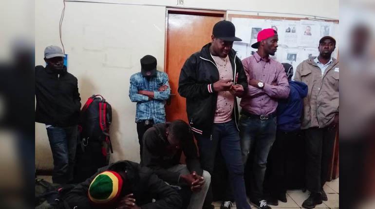 De plus en plus d'Haïtiens en situation irrégulière sont arrêtés au Chili. Photo: Los Tiempos