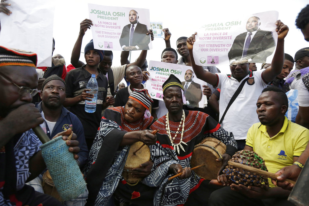 Supporters of Social Democratic Front opposition party presidential candidate Joshua Osih, attend a rally in Yaounde, Cameroon.  (AP Photo/Sunday Alamba)