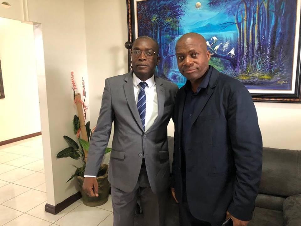Monsieur Leonard François et le ministre Edwing Charles. Photo du MJSAC