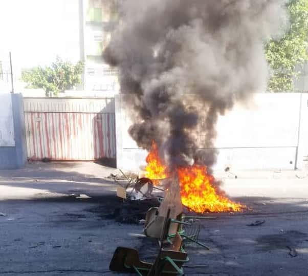 Manif: des étudiants exigent la reconstruction de la FDSE