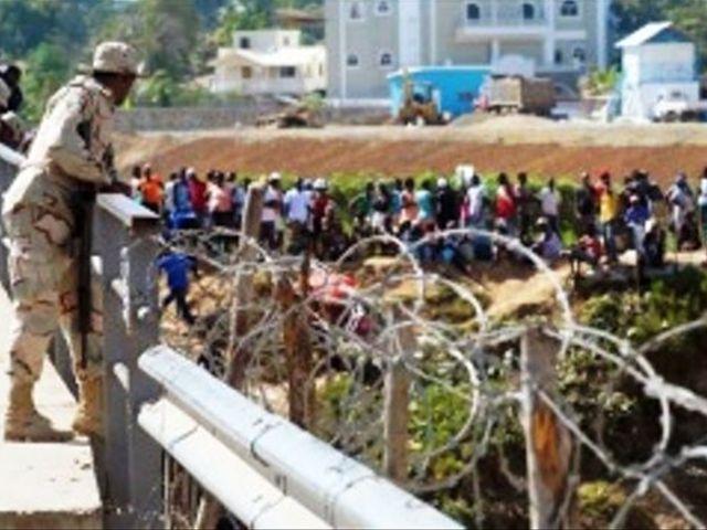 RD: 2 projets déposés au Parlement pour la construction d'un mur