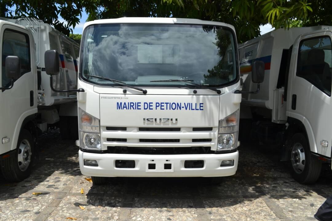 Photo : Camion d'ordure ménagère de la Mairie de Pétion-Ville – Crédit : Blog Archives de la Mairie de Pétion-Ville