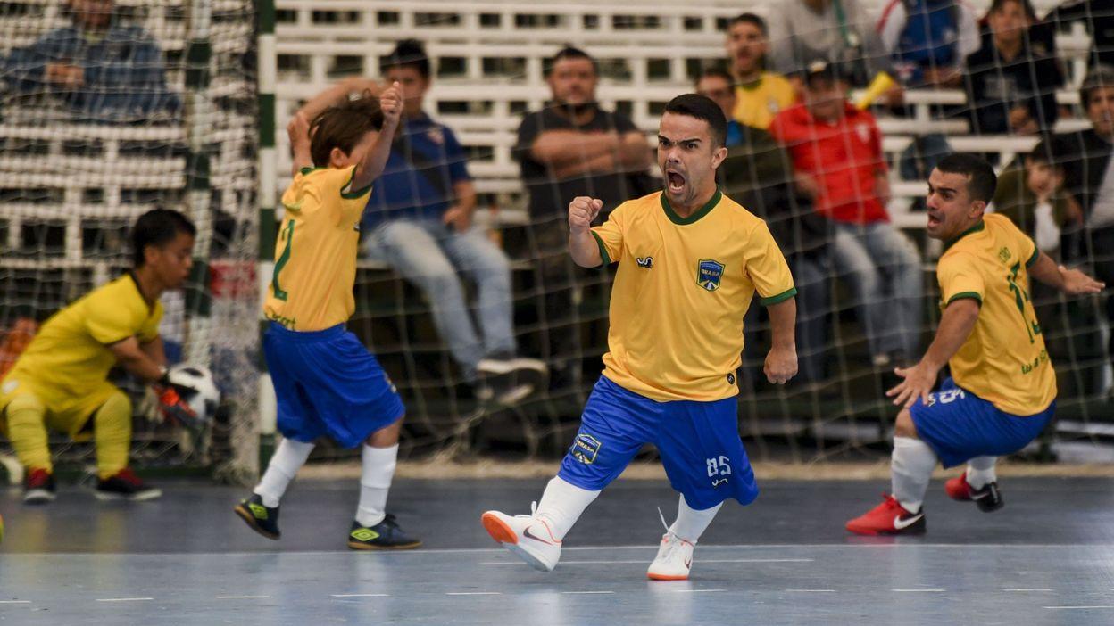 Une première Copa America de football pour les nains afin de vaincre les préjugés -  Photo: © EITAN ABRAMOVICH - AFP