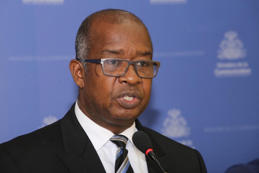Robert Conand Massé, directeur de la section juridique de l'Administration Générale des Douanes, lors de son point de presse au local du ministère de la Communication le mardi 27 novembre.