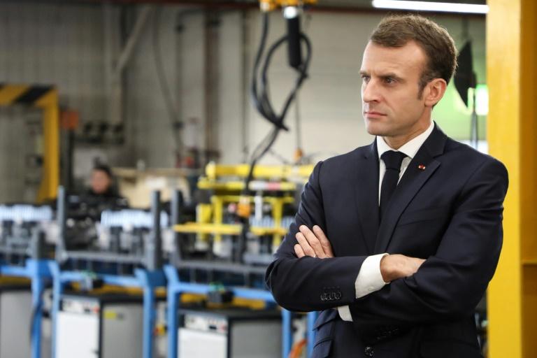 Emmanuel Macron dans l'usine Renault de Maubeuge, le 8 novembre 2018