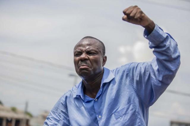 Photo : Le leader de PITIT DESALIN, Moïse Jean-Charles. Crédit Photo : Noulive