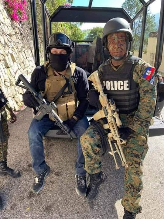 Mario Andrésol a dénoncé le port de leur uniforme et de ces mitrailleuses qui n'ont fait que semer la panique et la peur chez les manifestants et la population